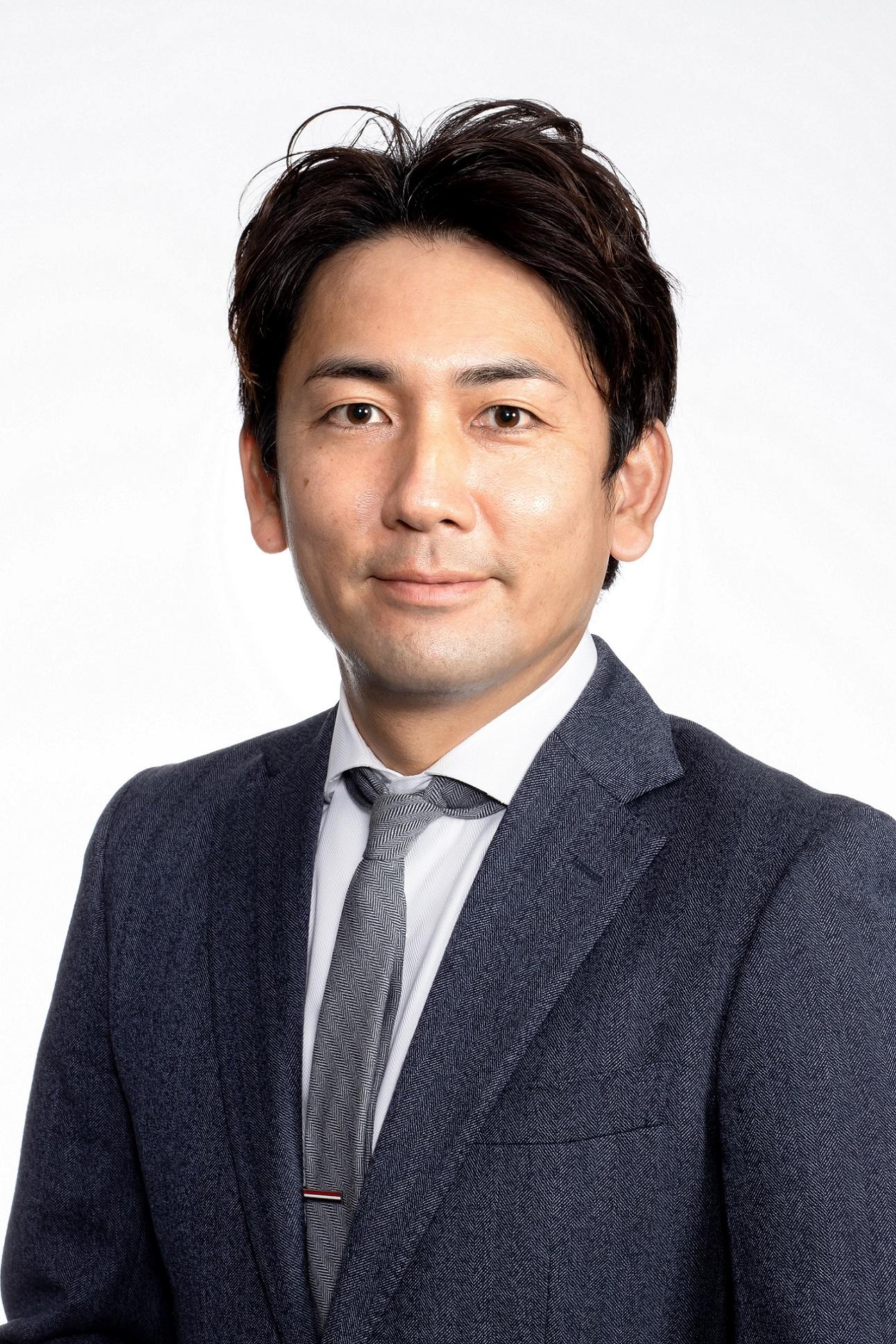 代表取締役社長 嵜本 晋輔 Shinsuke Sakimoto